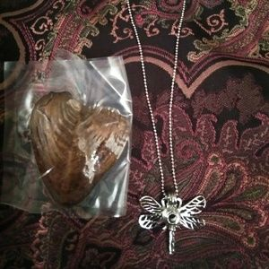 Jewelry - Oyster and cage pendant set